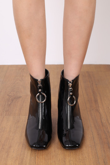 EDGY ZIP UP PATENT BOOTS (BLACK) image