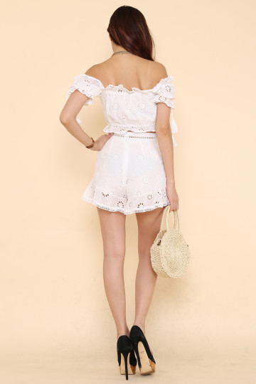 PRETTY LITTLE SET (FLOWER EYELET)(BACKORDER) image