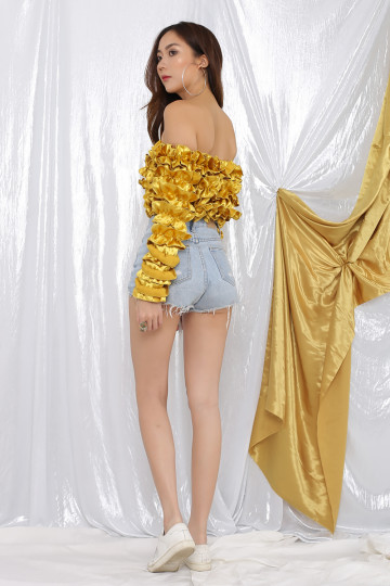 MORA RUFFLED OFF-SHOULDER TOP (ROYAL GOLD) image